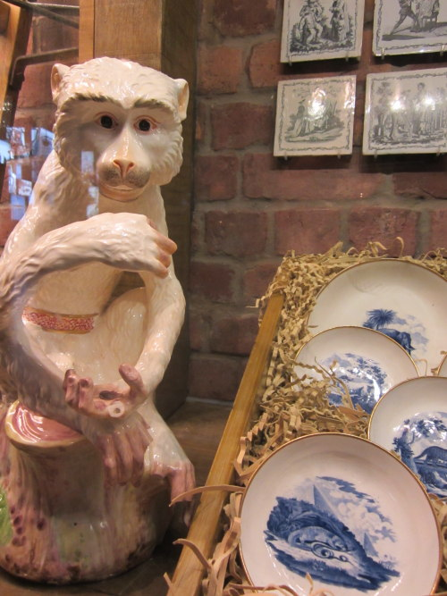 museumsblog: affe im museum of liverpool