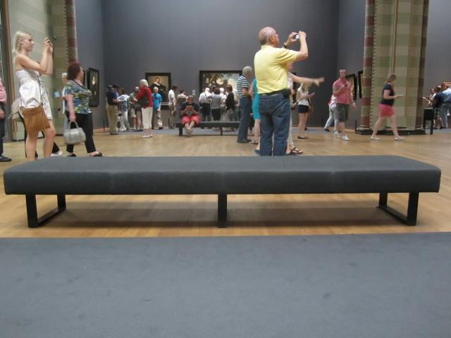 museumsblog: Sitzen im Rijksmuseum in Amsterdam